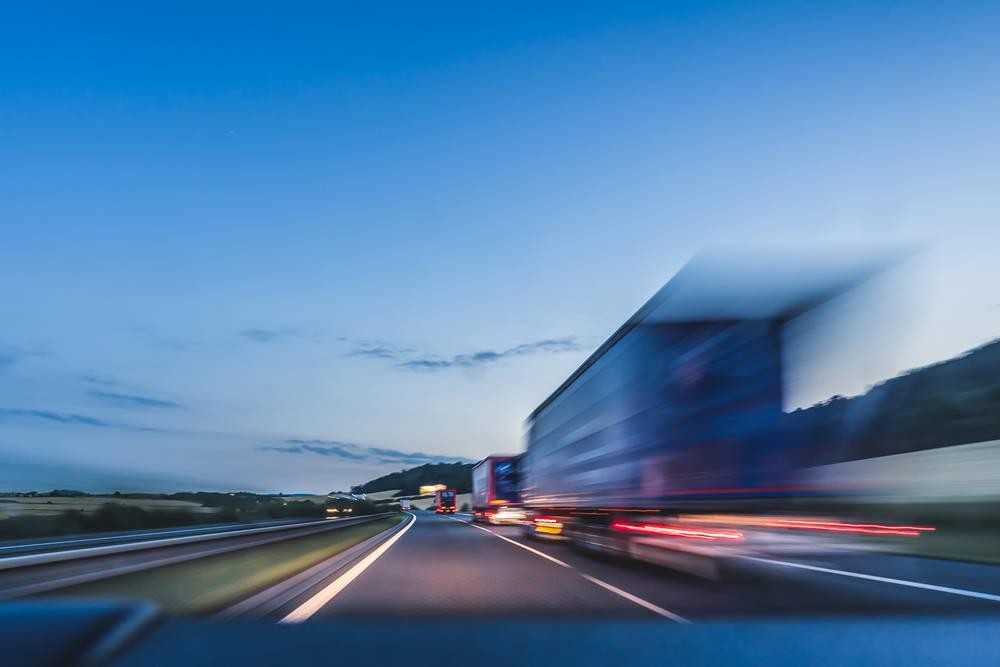 Beneficios de utilizar una empresa de envíos por carretera