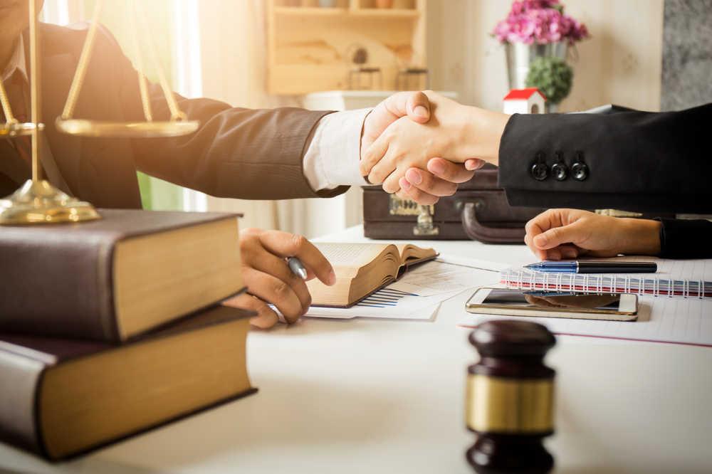 Los servicios de los procuradores frente a un proceso judicial